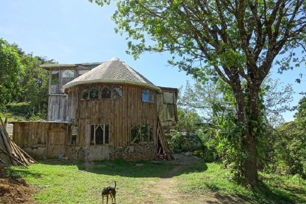Hotel Pictures: Casa Alquimia Artes Homestay, Monteverde