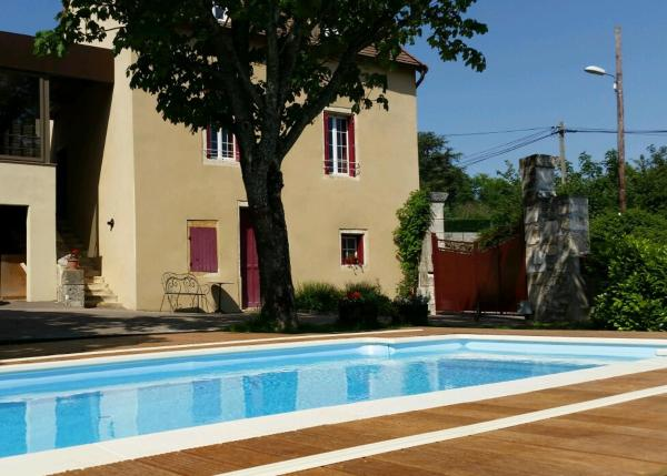 Hotel Pictures: Les Coteaux du Thil, Chenoves