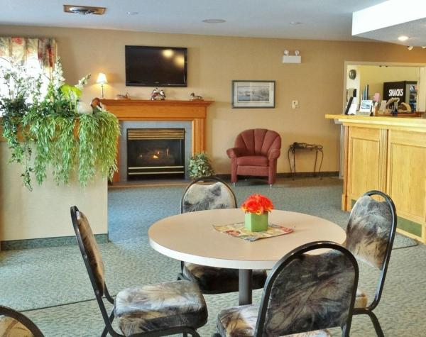 Hotel Pictures: Woodland Inn, Meadow Lake