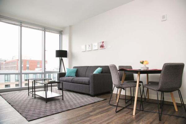 One-Bedroom Apartment 606