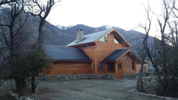Hotellikuvia: Patagonia Adventure Lago Cholila, Cholila