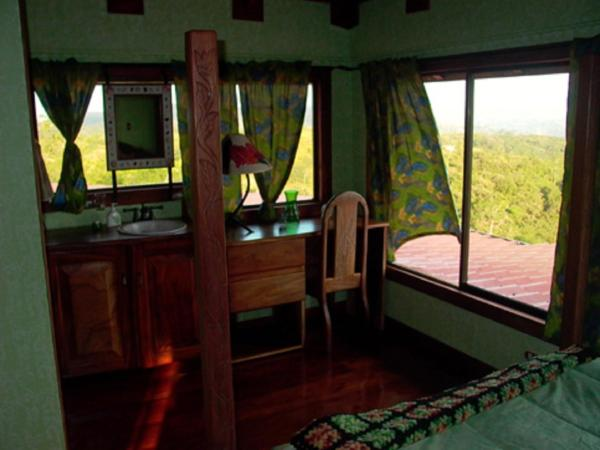 Hotel Pictures: The Red Sunset, Nuevo Arenal
