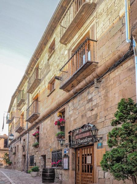 Hotel Pictures: Hostal El Panadero, Sepúlveda