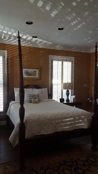 Carriage House Room 11