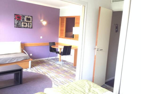 Hotel Pictures: Appartement - Porte de Versailles (Parc des Expositions), Issy-les-Moulineaux