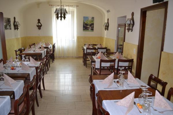 Hotel Pictures: Ristorante Del Ponte, Cugnasco