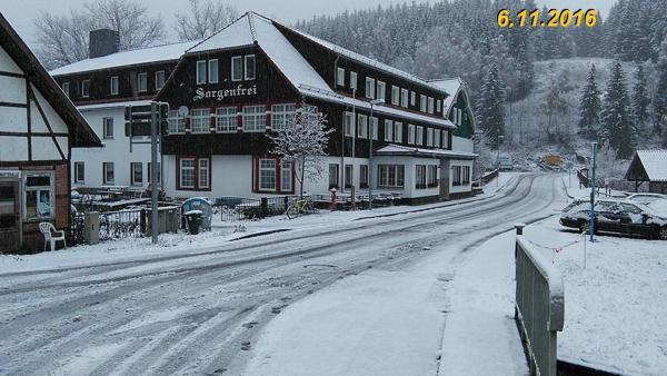 Hotel Pictures: Erlebnis Ferienheim Sorgenfrei, Sorge