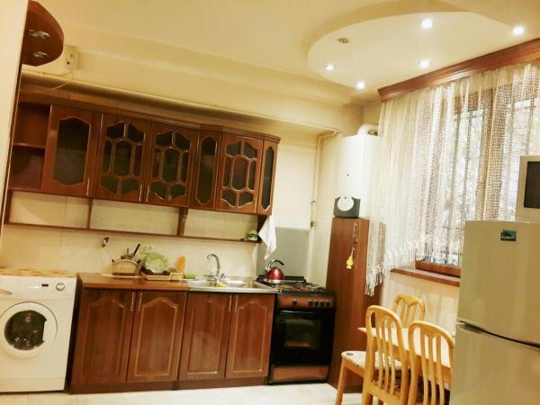 Hotel Pictures: Lux Apartment on Koghbatsi 3a, Yerevan