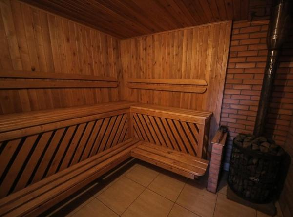 Hotel Pictures: Cottage with Sauna in Ratomka, Ratomka