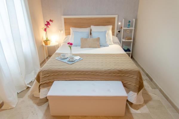 Hotel Pictures: Apartamento Luna, La Palma del Condado