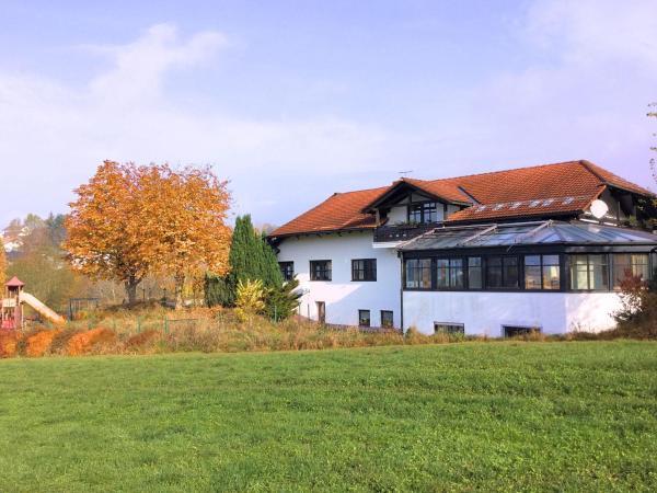 Hotelbilleder: Holiday home Neuschönau, Neuschönau