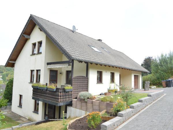 Hotel Pictures: Holiday home Ferienwohnung Fries, Niederehe