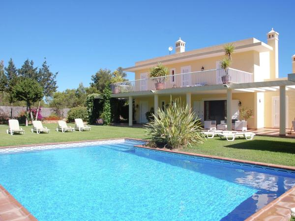 Hotel Pictures: Holiday home Casa D En Serra, Portinatx