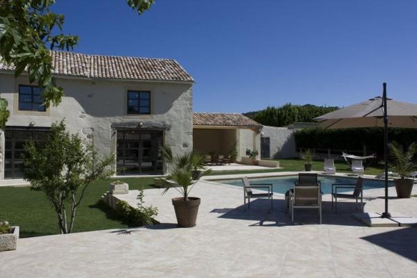 Hotel Pictures: Villa Le Battelou, Visan