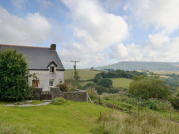 Hotel Pictures: Pentre Farm, Llangynwyd