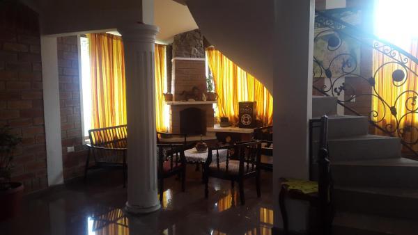 Hotel Pictures: Luis Ruiz Y Zoilita, Ibarra