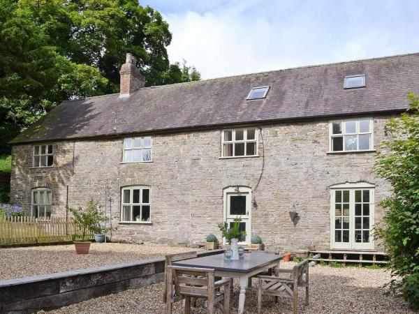 Hotel Pictures: Upper Woodhouse Farm, Knighton