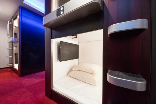 Premier Capsule Room for Male