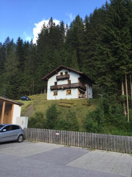 Fotos do Hotel: Ferienhaus Ilona, Außervillgraten