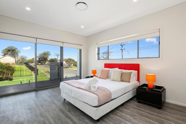 Фотографии отеля: Princess Villas Sydney, Guildford