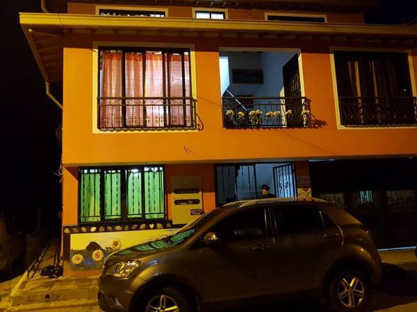 Hotel Pictures: Apartaestudios Los Girasoles, Guatapé