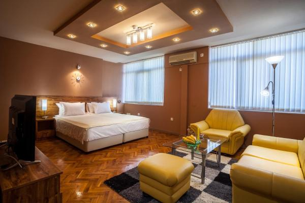 Hotellikuvia: Panorama Top Floor Rooms in Hotel Tundzha, Yambol