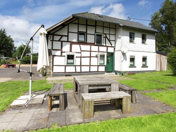 Hotel Pictures: Kleinfrankreich 1, Kalterherberg