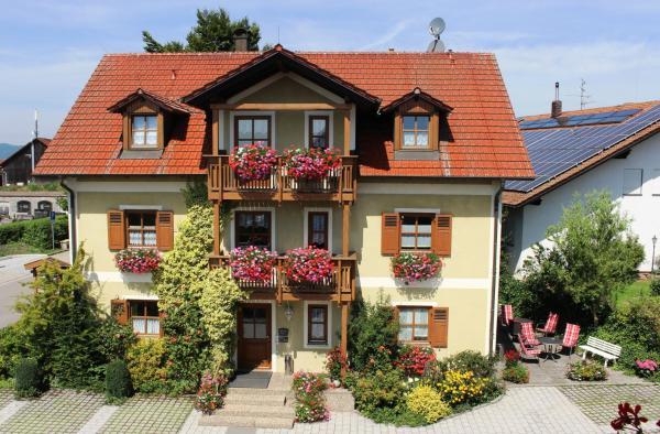 Hotelbilleder: Gäste-Haus Rösch, Wiesent