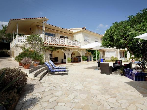 Hotel Pictures: La Nucia App A, Carbonera