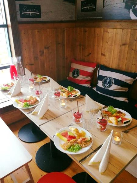 Hotel Pictures: Cafe & Bed Ranta, Uusikaupunki