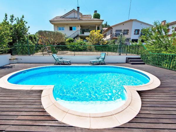 Hotel Pictures: Holiday Home Casa Teresa, Caldes de Montbui