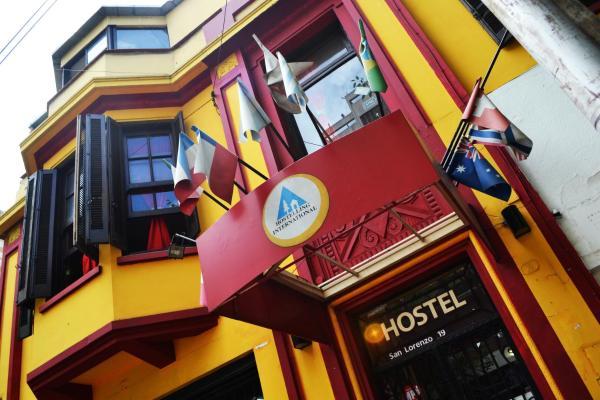 Foto Hotel: Hostel Mendoza Backpackers, Mendoza