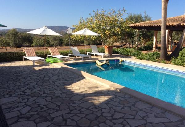 Hotel Pictures: Villa Romantic Ses Mires, Santanyi