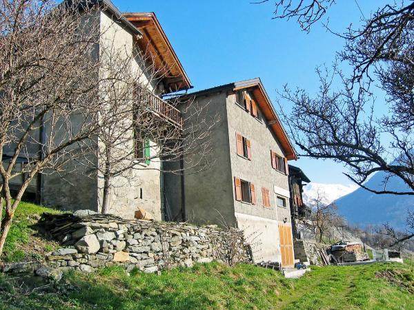 Hotel Pictures: Holiday Home Hudovernik, Orsières