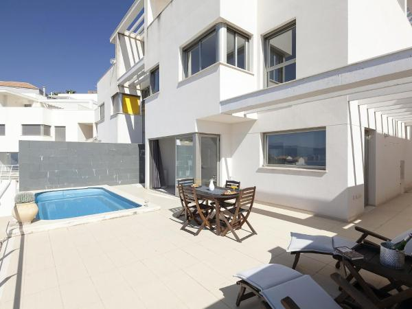Hotel Pictures: Holiday Home Montblau 10, Cullera