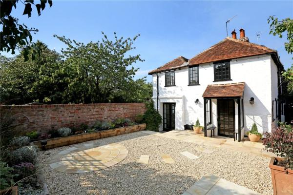 Hotel Pictures: Henry VIII Cottage in the heart of Henley, Henley on Thames