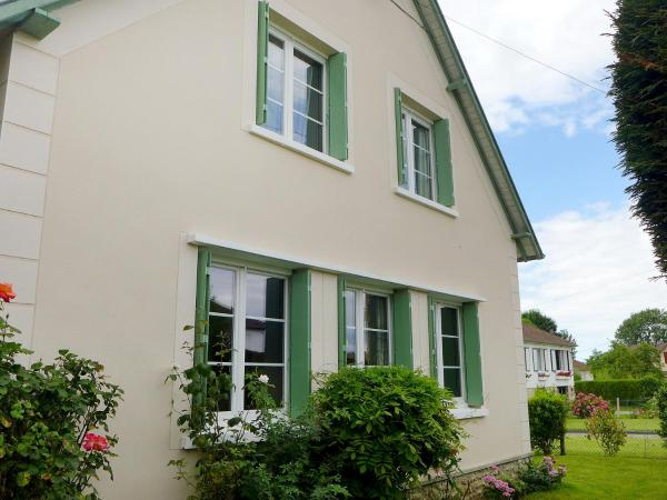 Hotel Pictures: Holiday Home 8 Rue Sainte Anne, Villers-sur-Mer