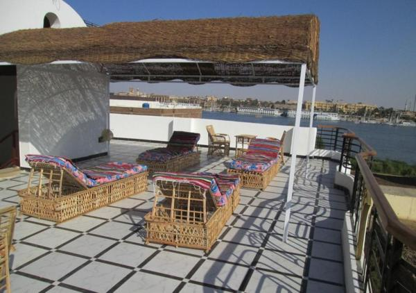 Hotel Pictures: Nile Paradise Apartments, Luxor