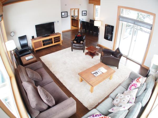 Hotel Pictures: Kookaburra Village Center - KL405, Sun Peaks