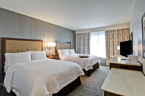 Queen Room with Two Queen Beds Accesible with Roll in Shower-Non-Smoking