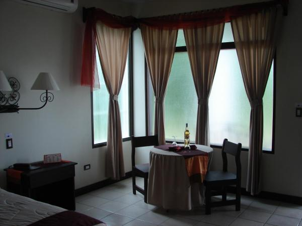 Hotel Pictures: Hotel Provincial, Aguas Zarcas