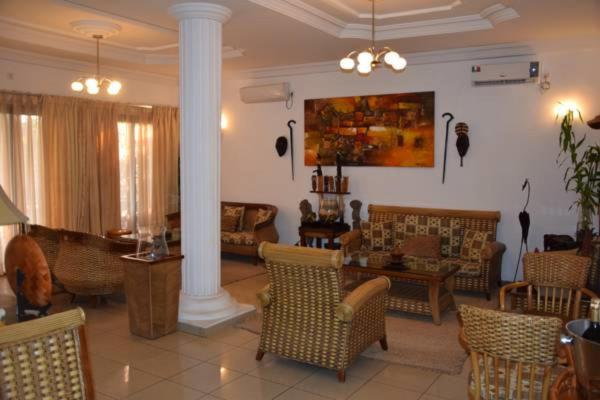 Hotel Pictures: Hotel Logis Manthey, Pointe-Noire