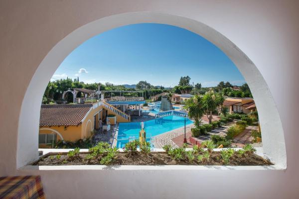 Hotel Pictures: Blue Lagoon, Roda