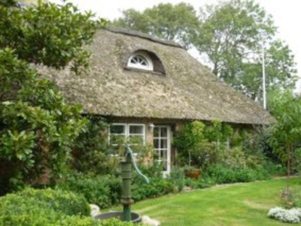 Hotelbilleder: Little Rose Cottage, Börm