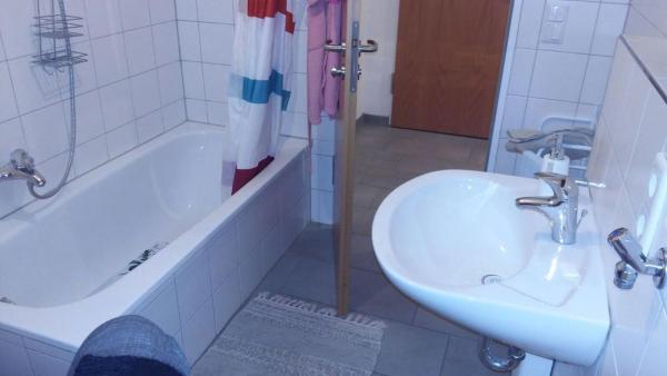 Hotel Pictures: Oma Wanderlust, Germering