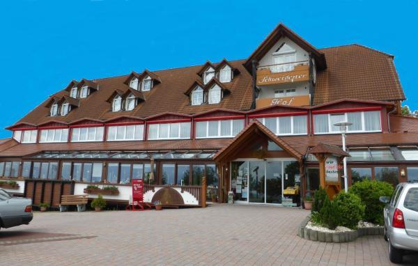 Hotel Pictures: Land-gut-Hotel Schweigener Hof, Schweigen-Rechtenbach