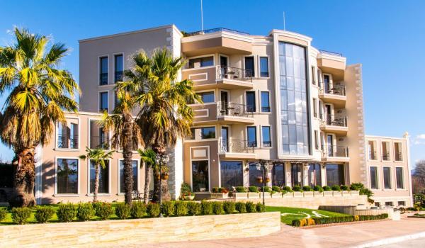 Hotel Pictures: Mantar Spa Hotel, Marikostinovo