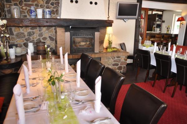Hotelbilleder: Gasthaus Zur Rebe, Mehring