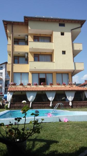 Hotelbilleder: Sharkov Family Hotel, Ognyanovo