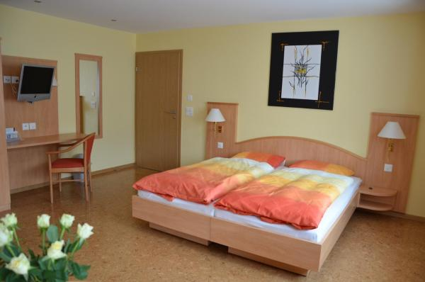 Hotel Pictures: Hotel Gasthof Kreuz, Welschenrohr
